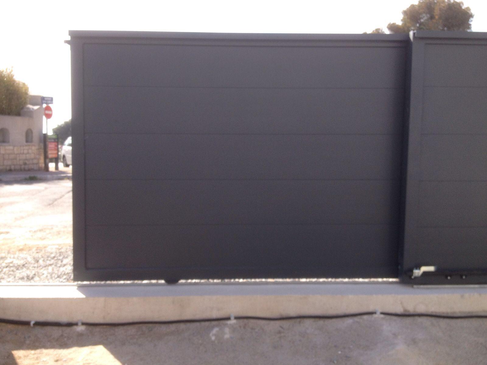 Art Plus Cadre Vitrolles installateur portail automatique coulissant solaire avec